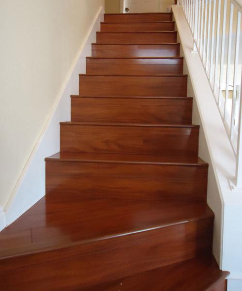 Santos-Mahogany-Laminate-Floors-On-Stairs_SM